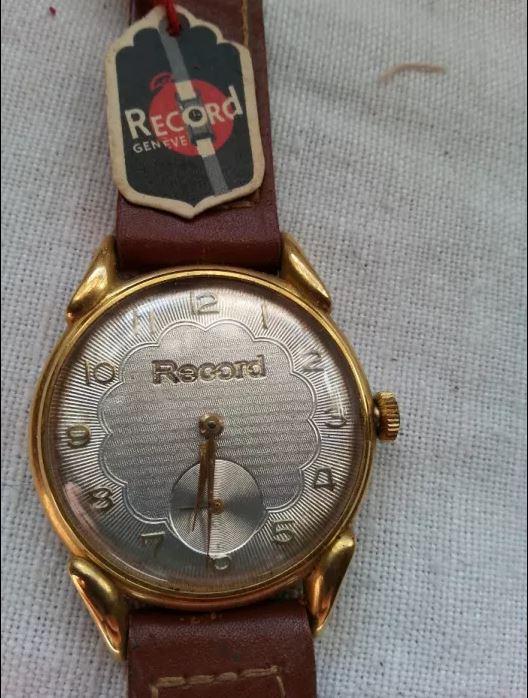 À venda online Record10