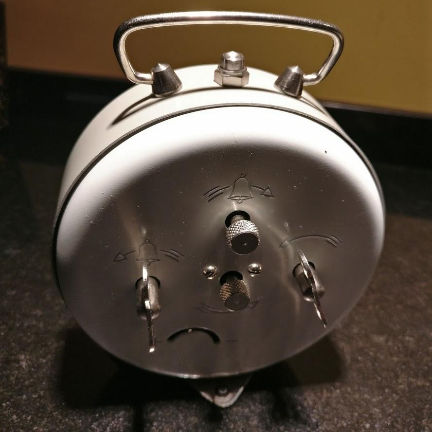 Despertadores e outros relógios antigos Regula11