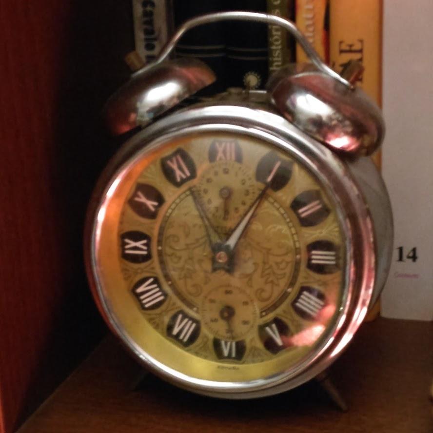 Despertadores e outros relógios antigos Titan10