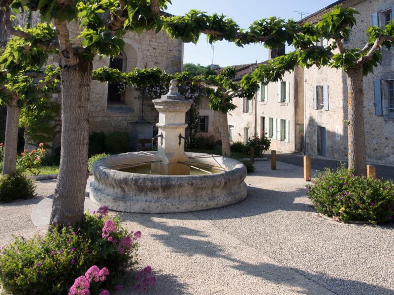 Fontaines de France et d'ailleurs - Page 3 Sans_t10