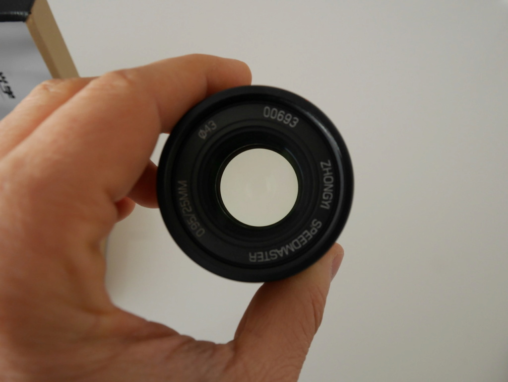 [VDS] Zhongyi Mitakon Speedmaster 25mm f/0.95 P1070910