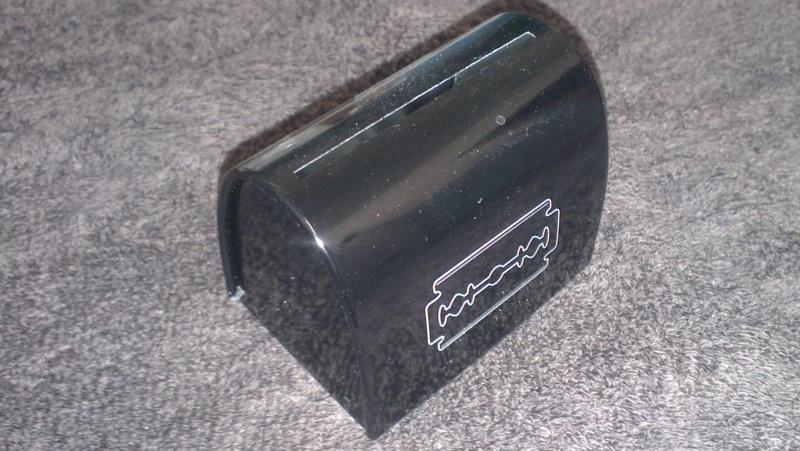 Petit bocal pour lames usagées Imag2811