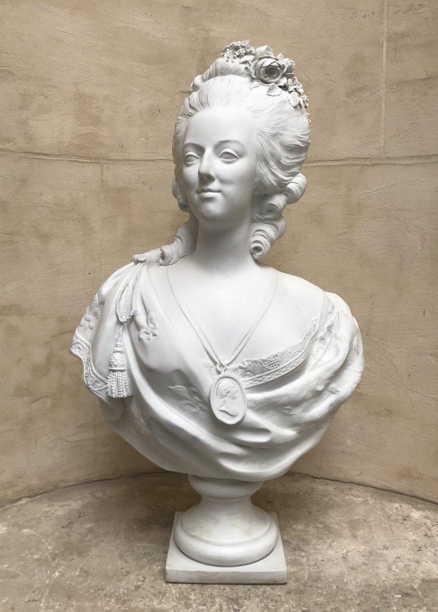 A vendre: bustes Marie Antoinette - Page 10 47766210