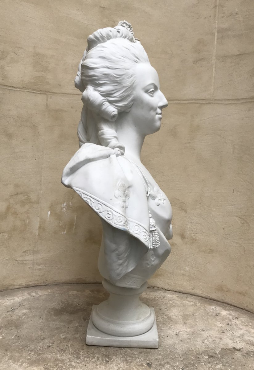 A vendre: bustes Marie Antoinette - Page 10 47766212
