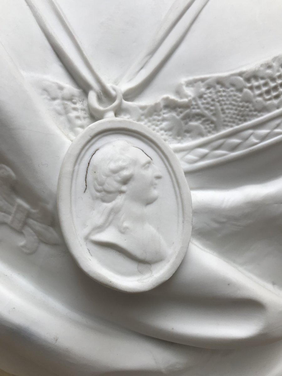 A vendre: bustes Marie Antoinette - Page 10 47766216