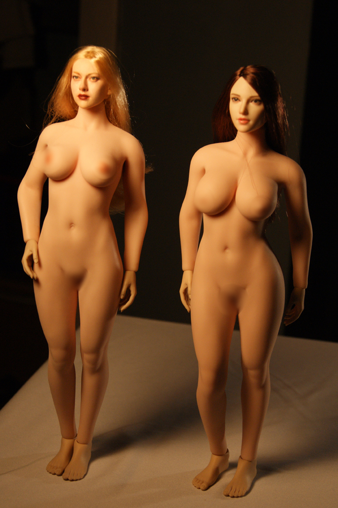 """TBLeague - NEW PRODUCT: TBLeague: 1/6 scale """"Chubby"""" Female Body (2 styles, with or without a head sculpt) Compar15"""