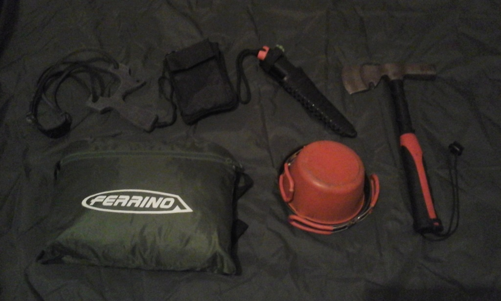 Kit de chasse/survie/rando à la journée 10510