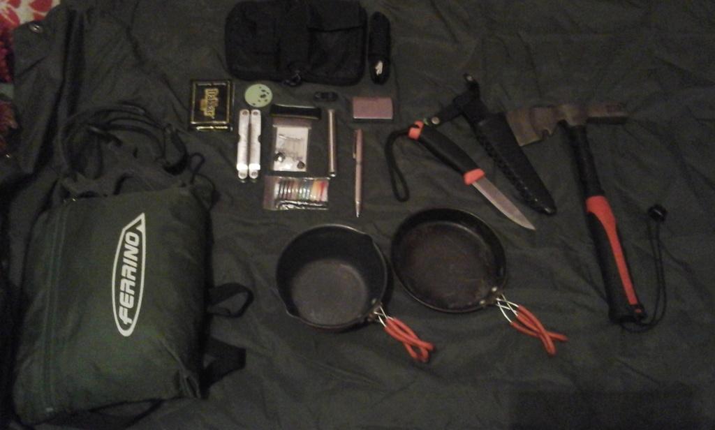 Kit de chasse/survie/rando à la journée 10610