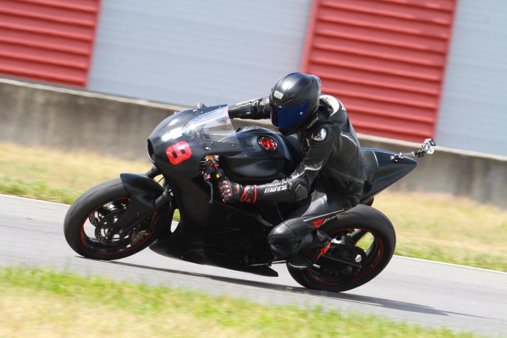 SV 650 piste - Style moto2 Brele310