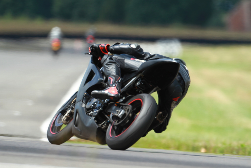 SV 650 piste - Style moto2 Brele410