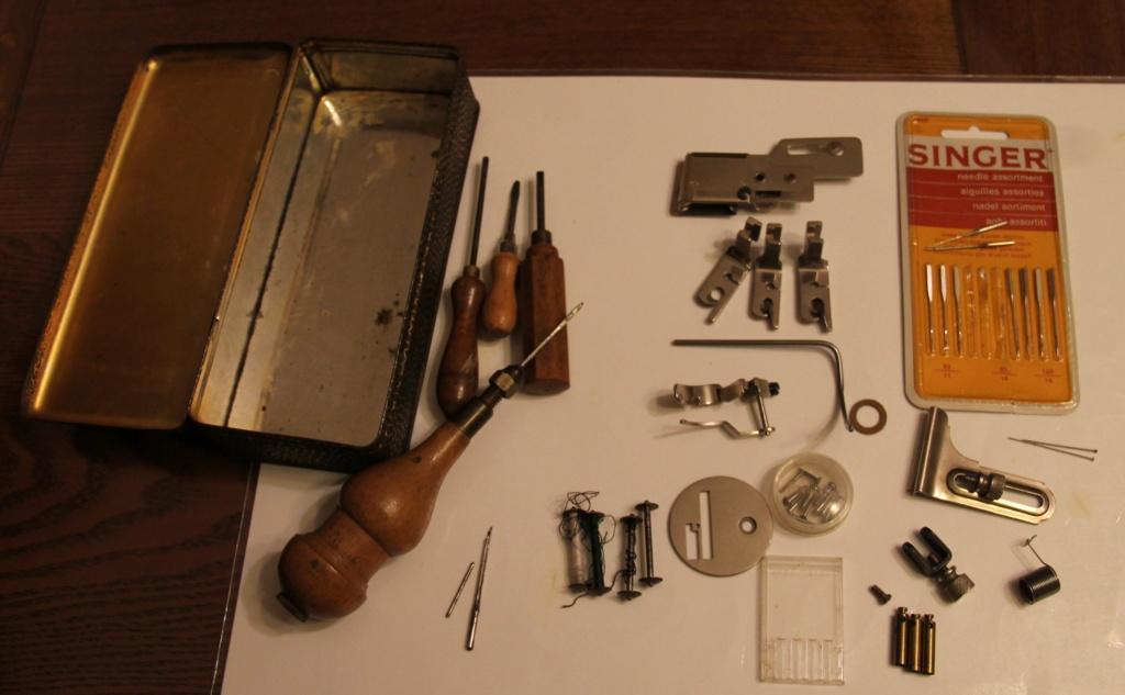 Identification d'accessoires pour des machines à coudre anciennes - Page 2 Img_4525