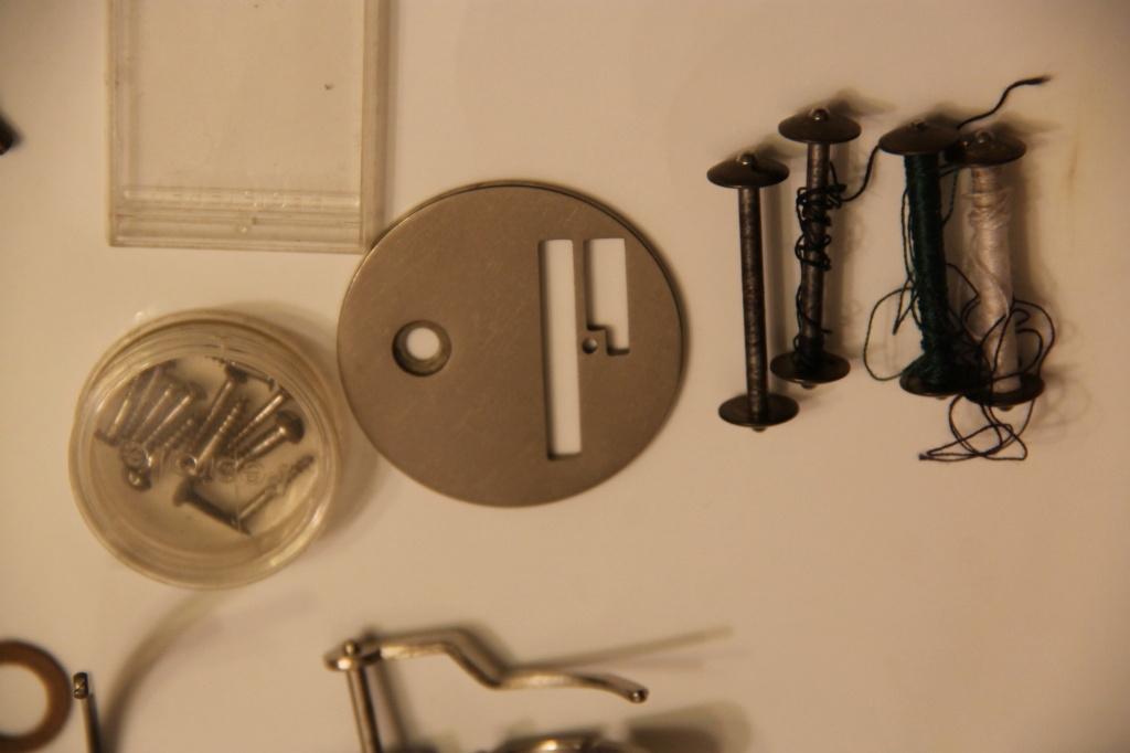 Identification d'accessoires pour des machines à coudre anciennes - Page 2 Img_4527