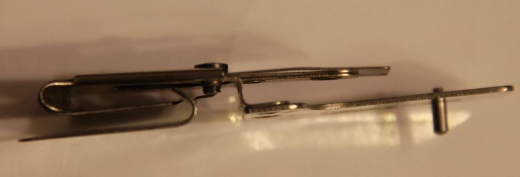 Identification d'accessoires pour des machines à coudre anciennes - Page 2 Img_4536
