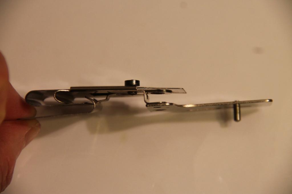 Identification d'accessoires pour des machines à coudre anciennes - Page 2 Img_4539