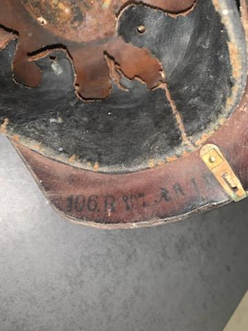 Identification casque à pointe  6b9fd110