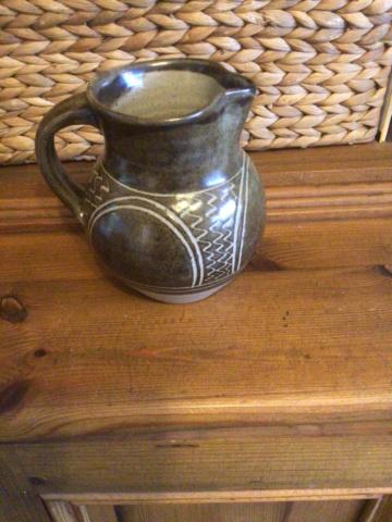 Stoneware jug - no mark 24e6d810