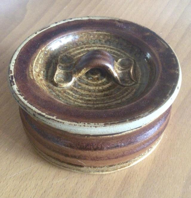Stoneware jar - multiple marks? 42401410