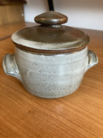 Two marks on lidded jar - Ai Oi Hoon, Woods Place Pottery 4c363810