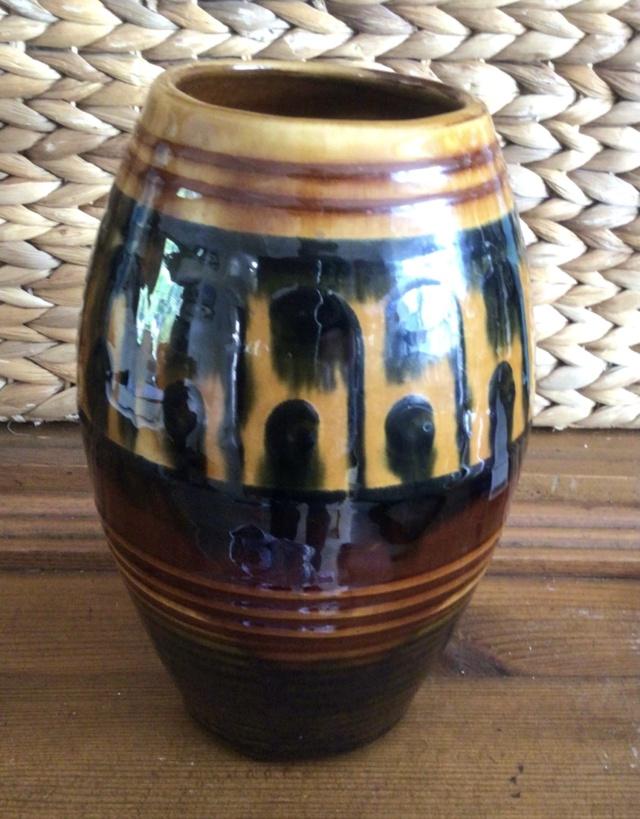 Earthenware vase - possibly early Richard Phethean? C08a8310