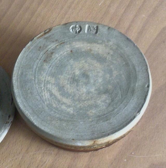 Stoneware jar - multiple marks? F286b010