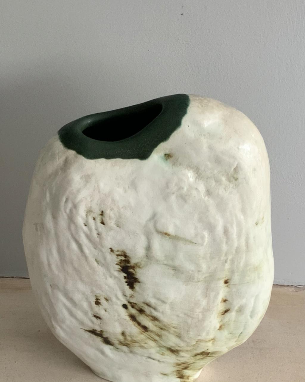 Help to identify please, unmarked Pebble Vase, Ireland  6e836110