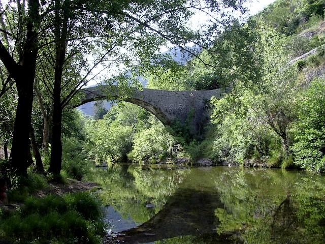Balade dans le Larzac Pont_d10