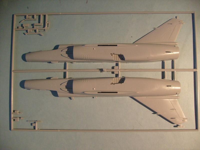 Multi-présentations ESCI/ITALERI quelques  MIRAGE III, F1 et KFIR au 48ème S7300545