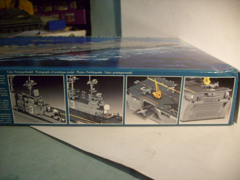[REVELL] Navire amphibie d assault LHD-3 USS KEARSARGE 1/700ème Réf 05110 S7302036