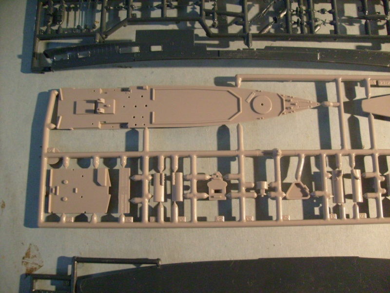 [MATCHBOX] Croiseur lance-missiles HMS TIGER 1/700ème Réf PK164 S7305143