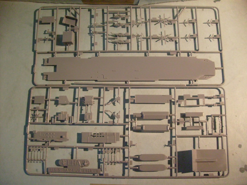 [Revell] USS TARAWA au 720 éme S7305677