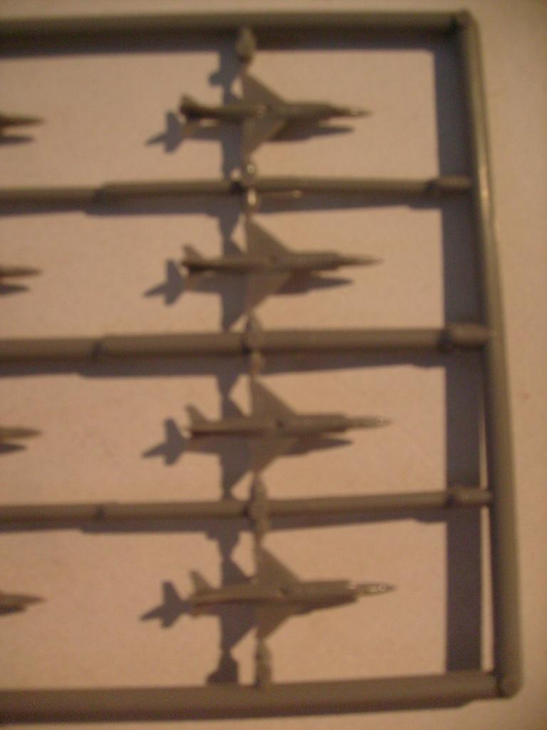 [AOSHIMA] Porte-avions MINSK & KIEV 1/700ème Réf 00503 & 00504 S7308596