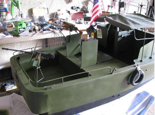 "Patrol - PBR 31 MARK II "" pibber"" ( patrol boat river) Diapos54"