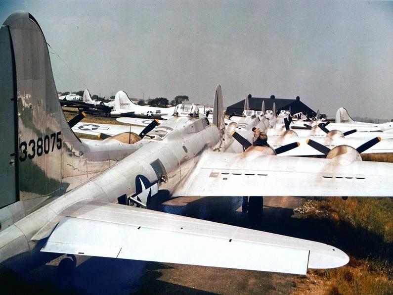 Photo d'archives couleur B-17-p10