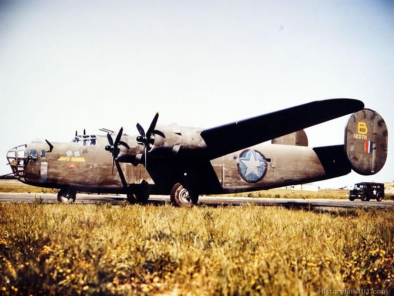 Photo d'archives couleur B-24-p10