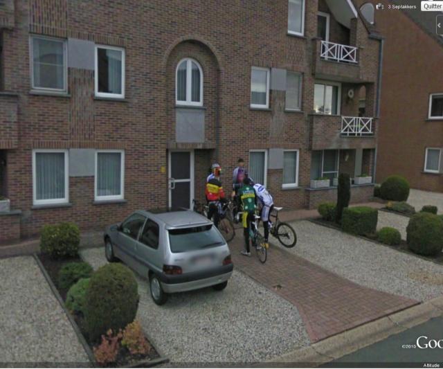 STREET VIEW :Tom Boonen «immortalisé» par Google Street View Boonen10