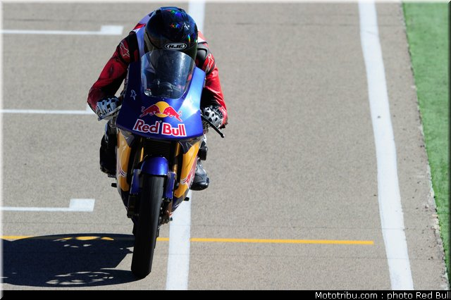 [Red Bull Moto GP Rookie Cup] Allez les petits (sélections 2012) - Page 3 Red_bu19