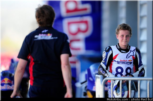[Red Bull Moto GP Rookie Cup] Allez les petits (sélections 2012) - Page 3 Red_bu26