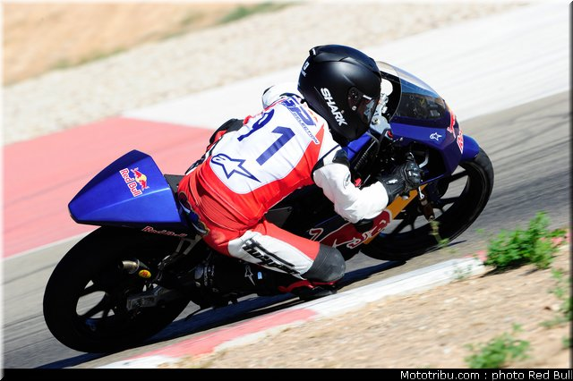 [Red Bull Moto GP Rookie Cup] Allez les petits (sélections 2012) - Page 3 Red_bu27