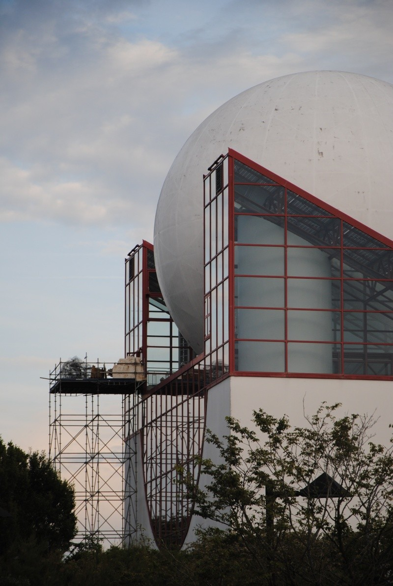 Boule du Futuroscope : démontage, reconstruction, scénographie (2012-2014) Dsc_0919