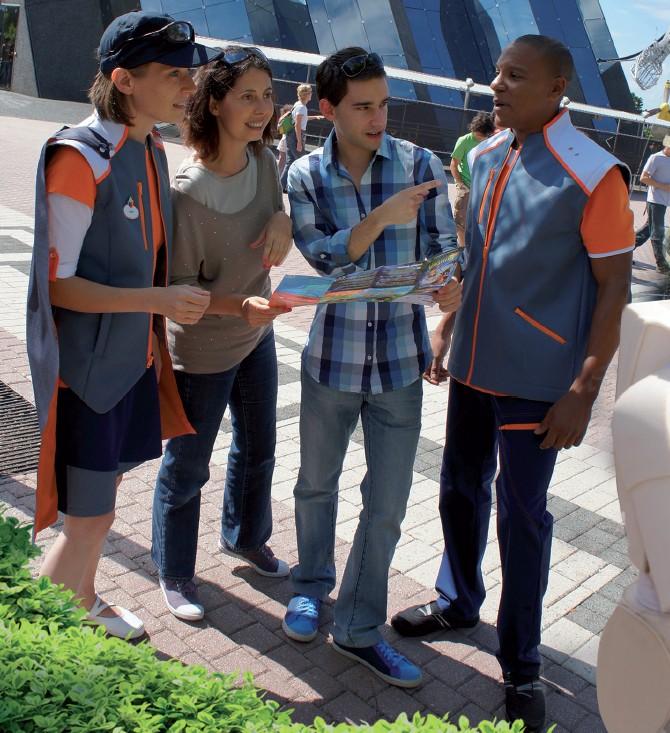 Les nouvelles tenues du Parc - Super Futuro Team (2012) Nouvel10
