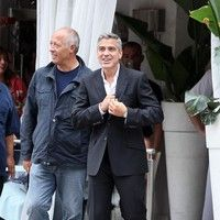 George Clooney shooting a Mercedes-Benz commercial (pics) 2011 Merced24