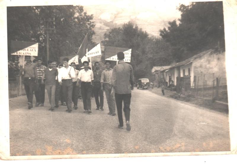 Aokas: défilé le 05 juillet 1962  2_00110