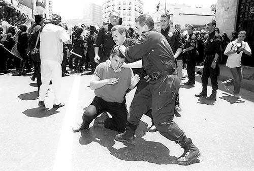 non à la politique de la repression Alger710