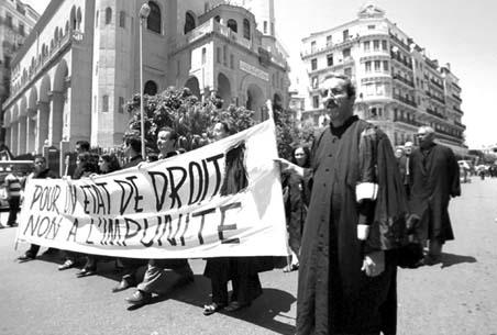 non à la politique de la repression Avocat10