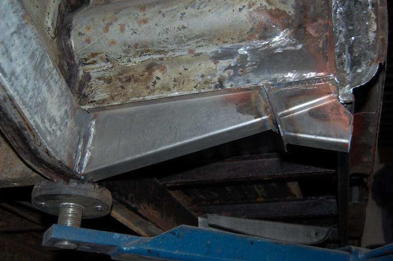 Restauration du combi Split 65 - Page 3 Photo_74
