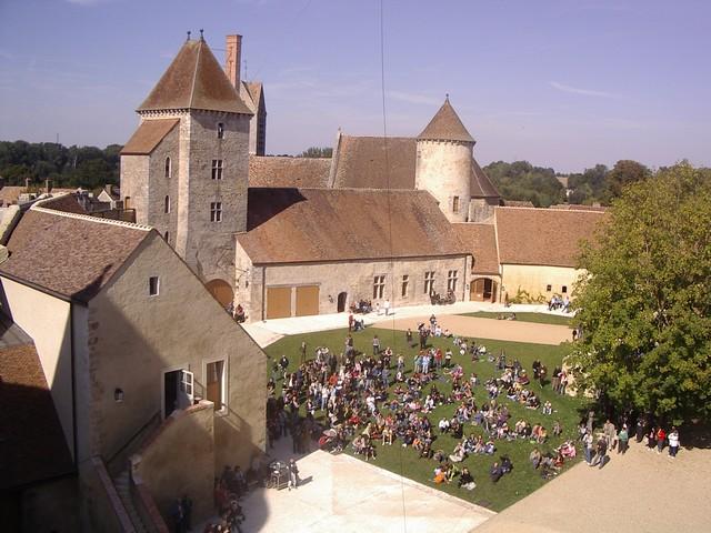 Blandy les Tours 01015