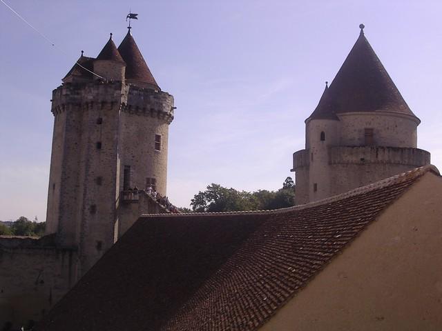 Blandy les Tours 01714