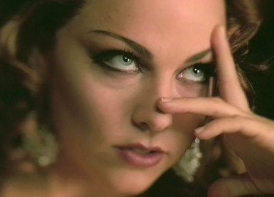 Lucy Lawless et Amy Lee, une ressemblance ?? - Page 2 04evan10