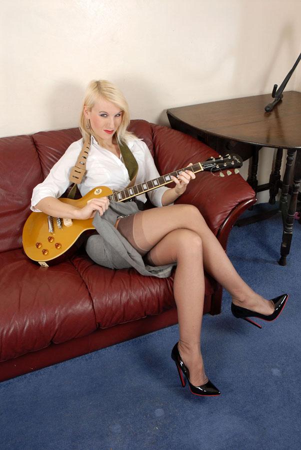 Identification guitare elec. Dsc_0012