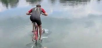 Le vélo d'eau... Hupobi10
